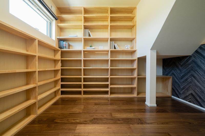 隠し書庫の家